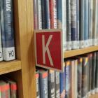 knihovna 8