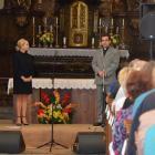 Bára Basiková v kostele