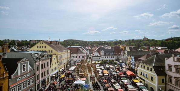 Stánkaři se mohou hlásit na Valdštejnské slavnosti 2017